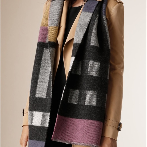 Authentic NEW Burberry Patchwork Check Scarf